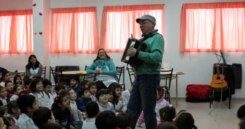 Miguel Brignoli durante otra presentación del libro de Natalia Toro