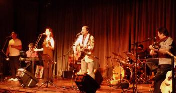 Sanampay en el escenario-