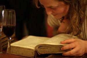 girl-reading11