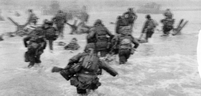 Desembarco en Normandía. Fotografía de Robert Capa.