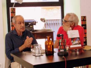 Juan Cruz entrevistando