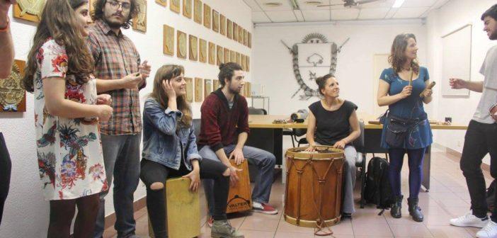 El taller de percusión fue dictado por la profesora Mariana Occhiuzzi.