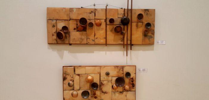 """""""Huellas"""" (cerámica), de Mariela Maisterrena."""