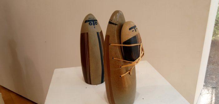 """Mujeres Rankülche"" (cerámica), de Mariela Maisterrena."