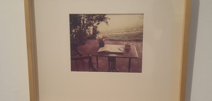 Virginia Woolf working table, de Gisele Freund.