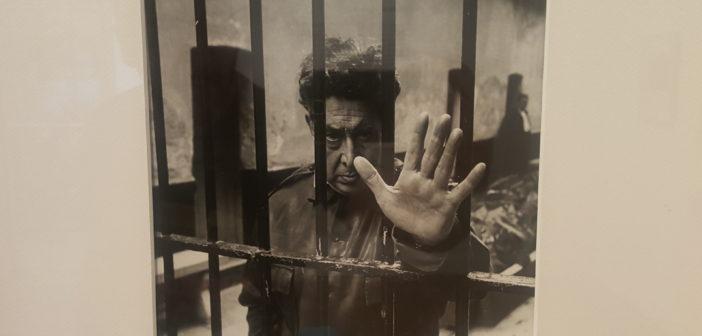 El pintor Siqueiros en la cárcel de Lecumberri, 1960, de Héctor García.
