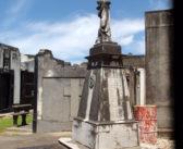Casimiro Altamira: Historia de una tumba con un cuento de Borges y dos ciudades