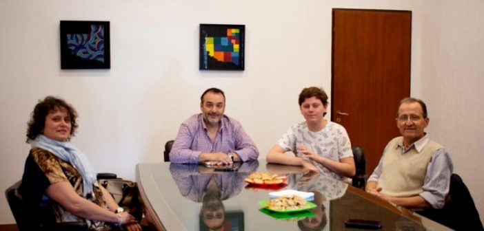 Benjamín Claverie visitó la Casa de La Pampa, donde fue recibido por su director, Pablo Rubio.