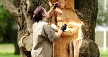 «La madera me permite ser más libre»